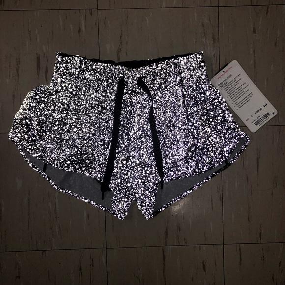 lululemon athletica Pants - 🆕Rare Reflective Lululemon Hotty Hot Short